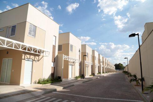 1 Barcelona residence, casa duplex em condomínio fechado 104m²,zona leste Teresina,Piscina,área de lazer,playground