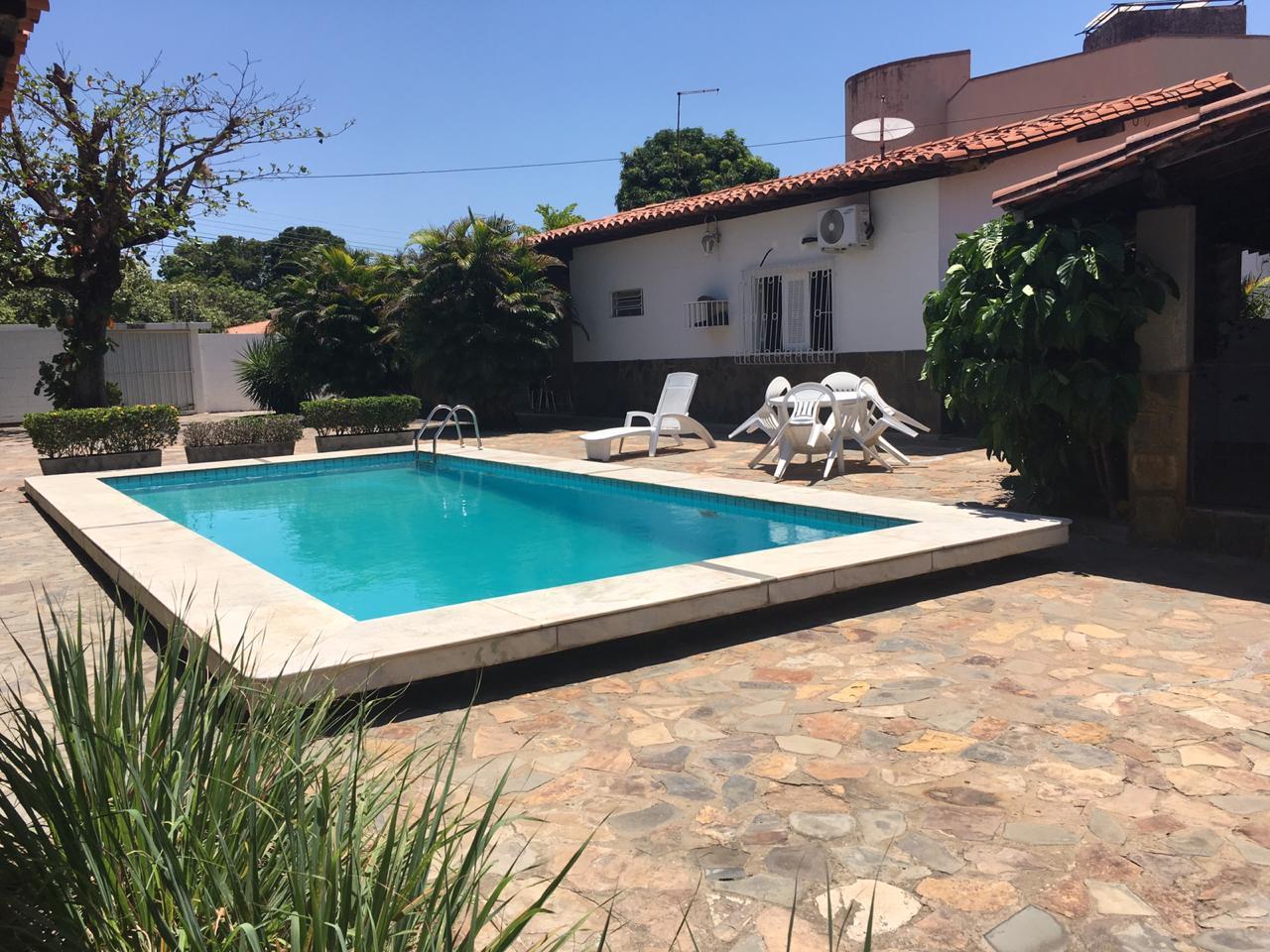 Casa para venda 30m x 30m, piscina, amplo estacionamento, 5 quartos, DCE, São Cristóvão
