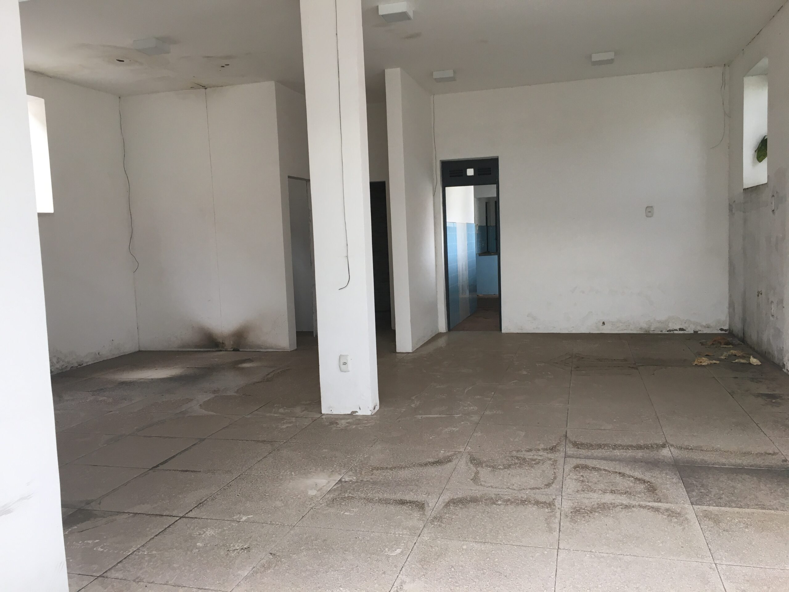 2 Casa 13x35 polo de saúde Teresina, próximo Palácio de Karnak, avenida Frei Serafim, piso em porcelanato