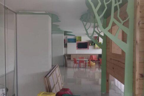 20 Amalfi Residence,zona leste Teresina,107,23 m² e 127,03m² com 03 suítes (sendo 01 suíte reversível), sala de estar e jantar, varanda, cozinha com área de serviço, DCE, interfone. 2 ou 3 vagas