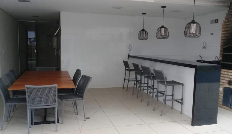 21 Amalfi Residence,zona leste Teresina,107,23 m² e 127,03m² com 03 suítes (sendo 01 suíte reversível), sala de estar e jantar, varanda, cozinha com área de serviço, DCE, interfone. 2 ou 3 vagas