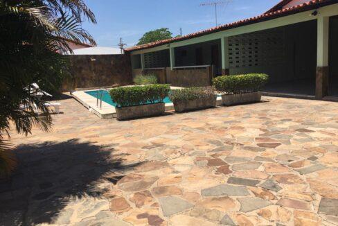 4 Casa para venda 30m x 30m São Cristóvão, piscina, 5 quartos, ampla área externa, próximo avenida Senador Arêa Leão