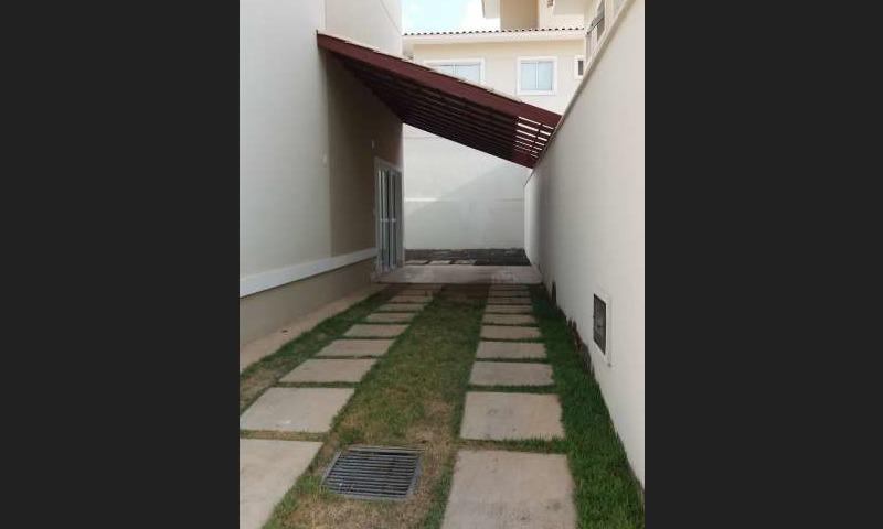 6 Casa duplex 127m² La vie Suiça, Zona leste Teresina, 3 quartos sendo 1 suíte master,3 vagas