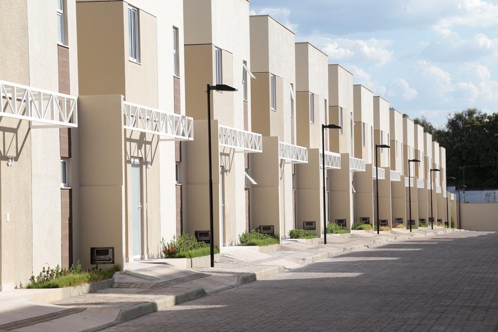 8 Barcelona residence, casa duplex em condomínio fechado 104m²,zona leste Teresina,Piscina,área de lazer,playground
