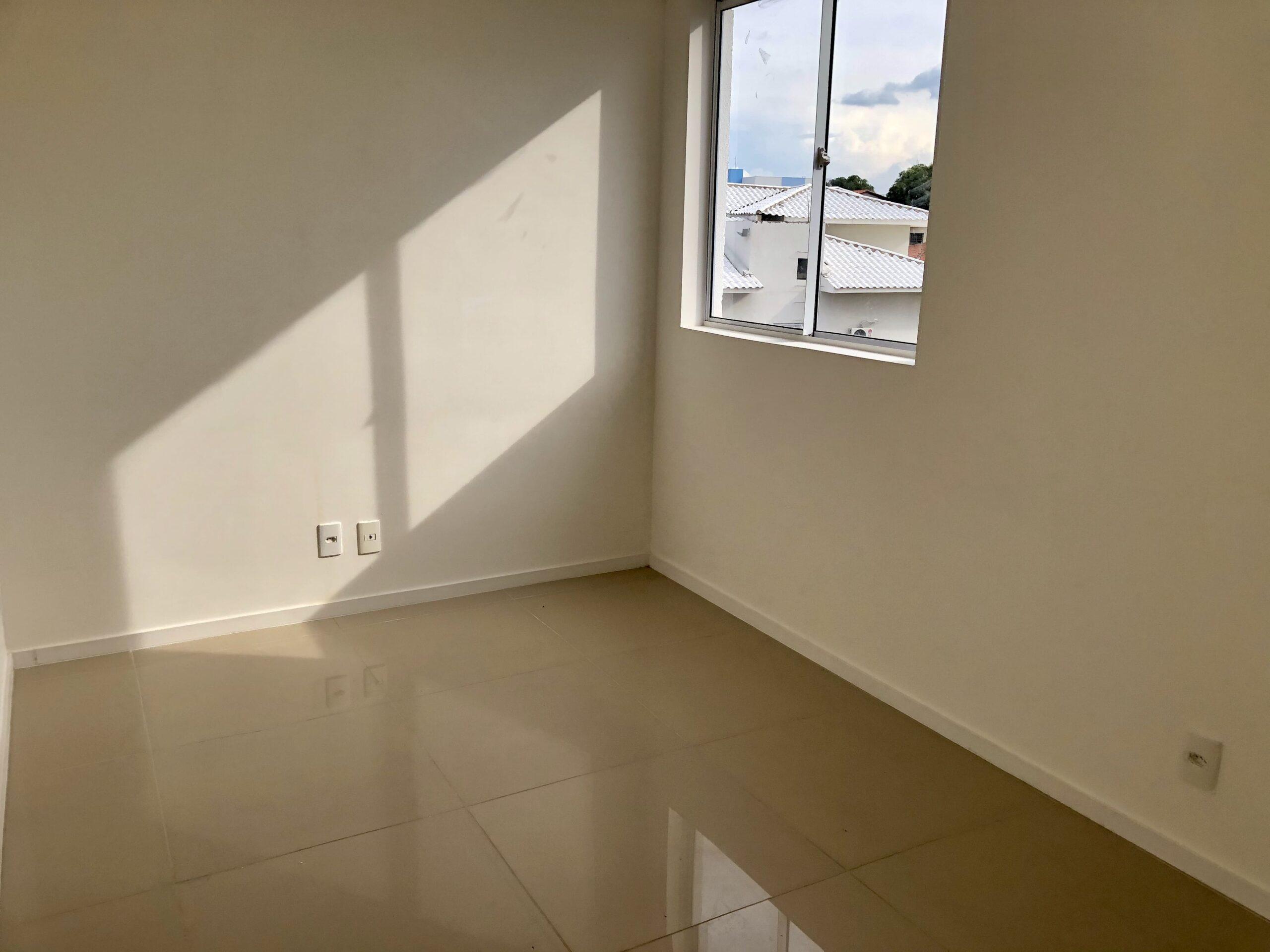 12 Apartamento para venda no Edifício Recanto das Palmeiras Teresina,3 Quartos, sendo 1 suíte, banheiro social, 1 vaga, piso em porcelanato