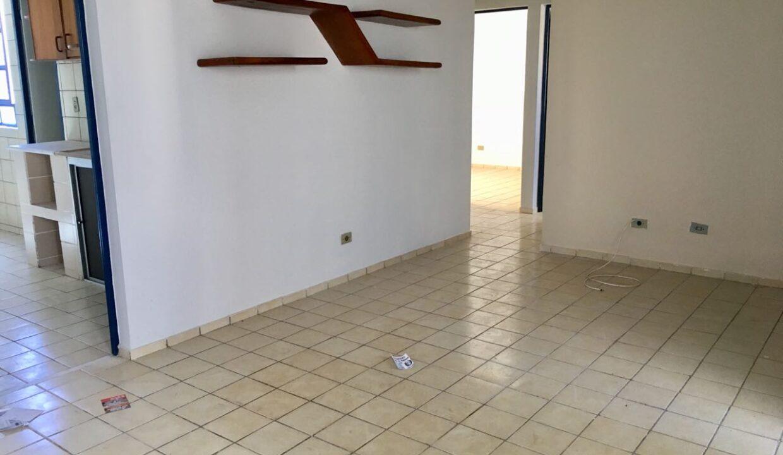 2 Santa Marta,3 quartos, 2 banheiros, 1 vaga, condomínio fechado,ufpi, zona leste Teresina