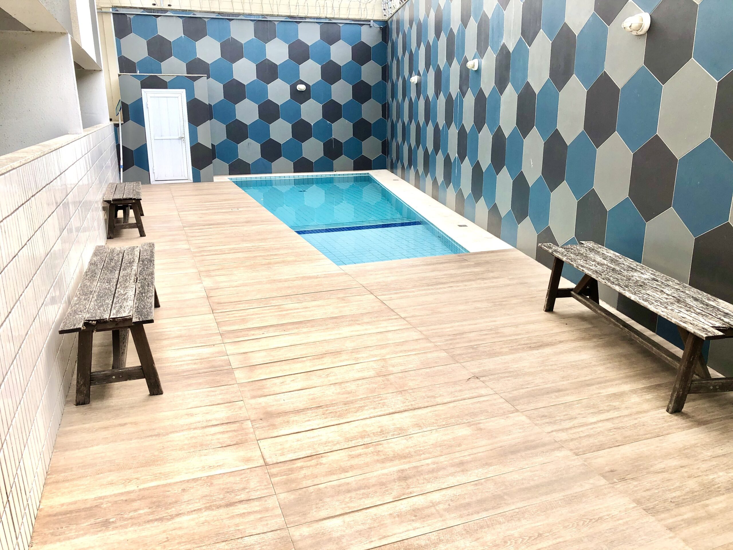 3 Apartamento para venda no Edifício Recanto das Palmeiras Teresina,3 Quartos, sendo 1 suíte, banheiro social, 1 vaga, piso em porcelanato