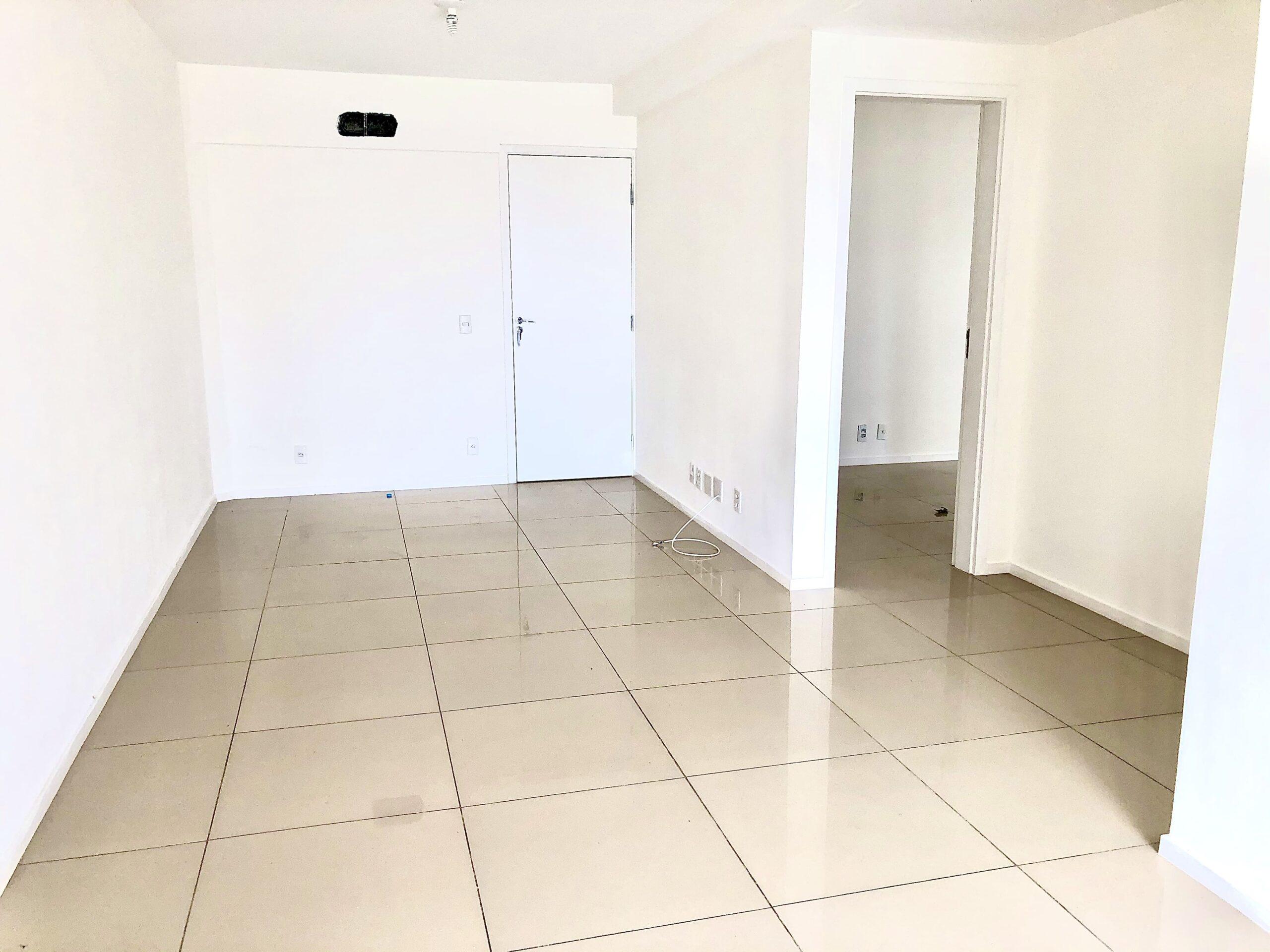 6 Apartamento para venda no Edifício Recanto das Palmeiras Teresina,3 Quartos, sendo 1 suíte, banheiro social, 1 vaga, piso em porcelanato
