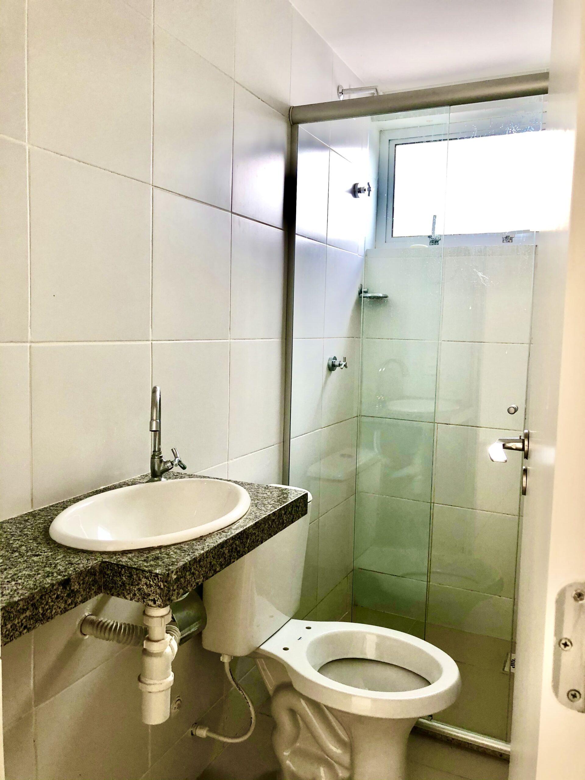 8 Apartamento para venda no Edifício Recanto das Palmeiras Teresina,3 Quartos, sendo 1 suíte, banheiro social, 1 vaga, piso em porcelanato