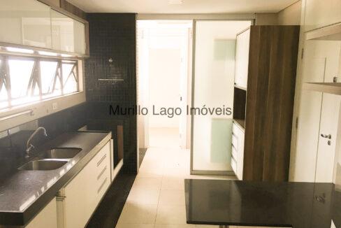 24 Apartamento 140m², Jóquei, 3 suítes sendo 1 master com closet e varanda, ampla sala,varanda,DCE, 2 vagas