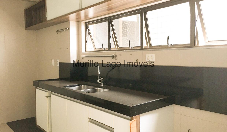26 Apartamento 140m², Jóquei, 3 suítes sendo 1 master com closet e varanda, ampla sala,varanda,DCE, 2 vagas