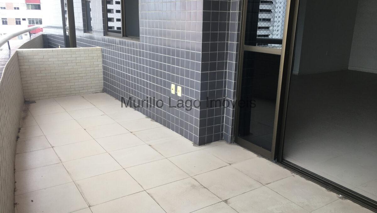 7 Apartamento 140m², Jóquei, 3 suítes sendo 1 master com closet e varanda, ampla sala,varanda,DCE, 2 vagas