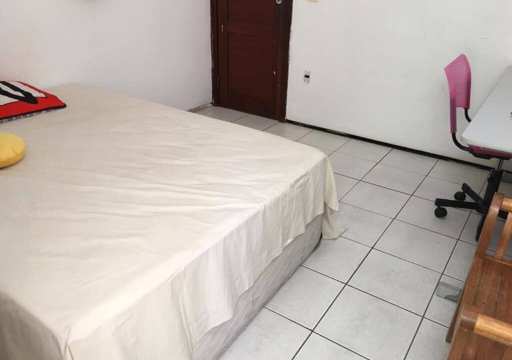 12 Casa para venda São Cristóvão 4 suítes, DCE,móveis planejados,20x30m