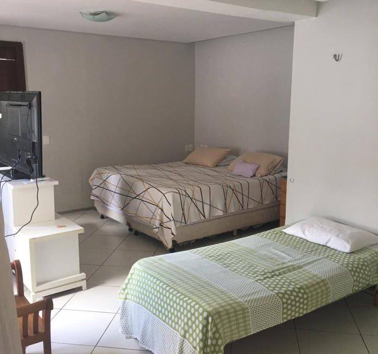 15 Casa para venda São Cristóvão 4 suítes, DCE,móveis planejados,20x30m