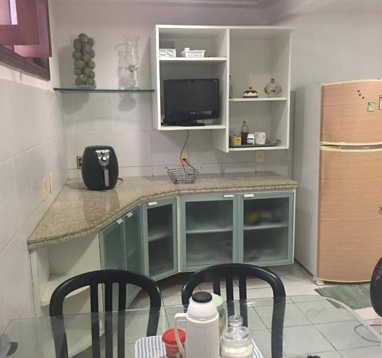 17 Casa para venda São Cristóvão 4 suítes, DCE,móveis planejados,20x30m