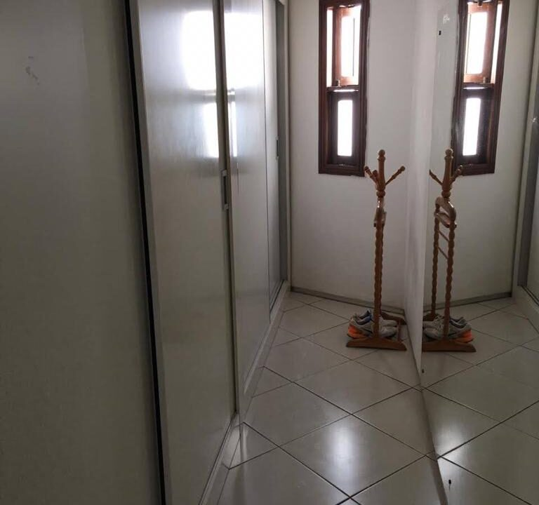 18 Casa para venda São Cristóvão 4 suítes, DCE,móveis planejados,20x30m