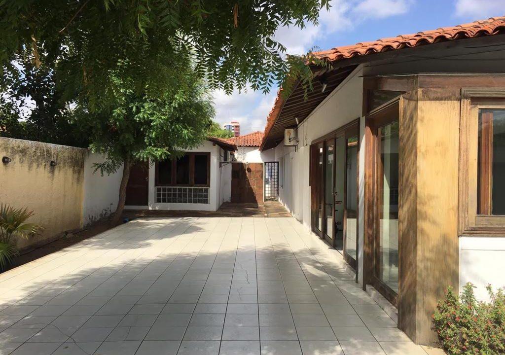 21 Casa para venda São Cristóvão 4 suítes, DCE,móveis planejados,20x30m