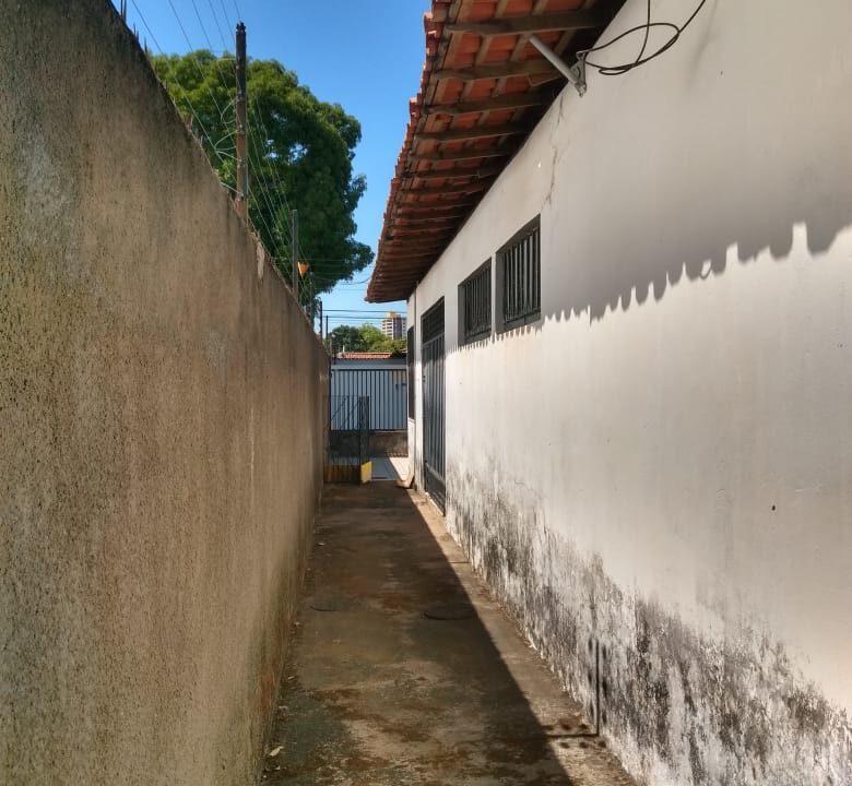 12 Casa venda ininga , 3 quartos sendo 1 suíte, 430 metros, poucos metros da av. Homero C Branco em Teresina-PI