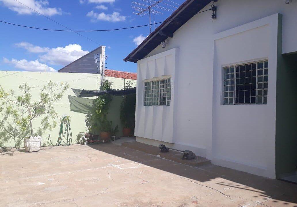 1 Casa para venda no bairro Primavera com 3 quartos e 2 banheiros em Teresina-PI