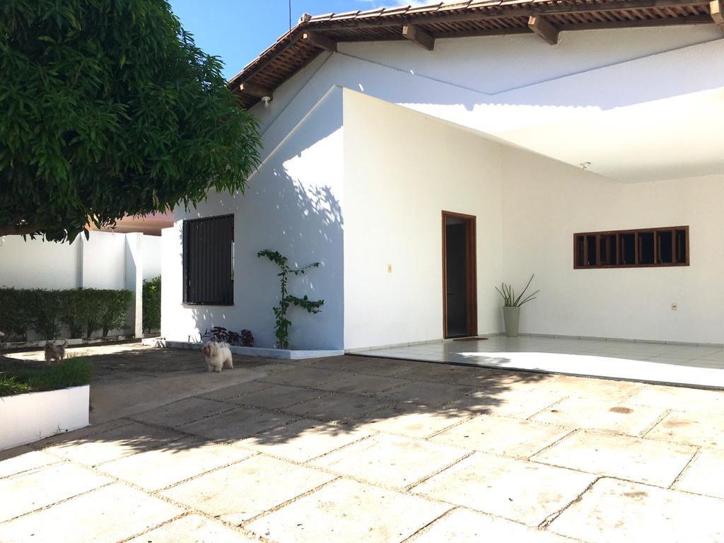 Casa venda,3 quartos sendo 2 suítes no bairro morada do sol em Teresina-PI Murillo Lago Imóveis