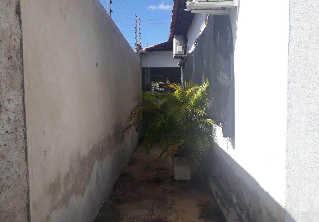 10 Casa para venda no bairro Primavera com 3 quartos e 2 banheiros em Teresina-PI