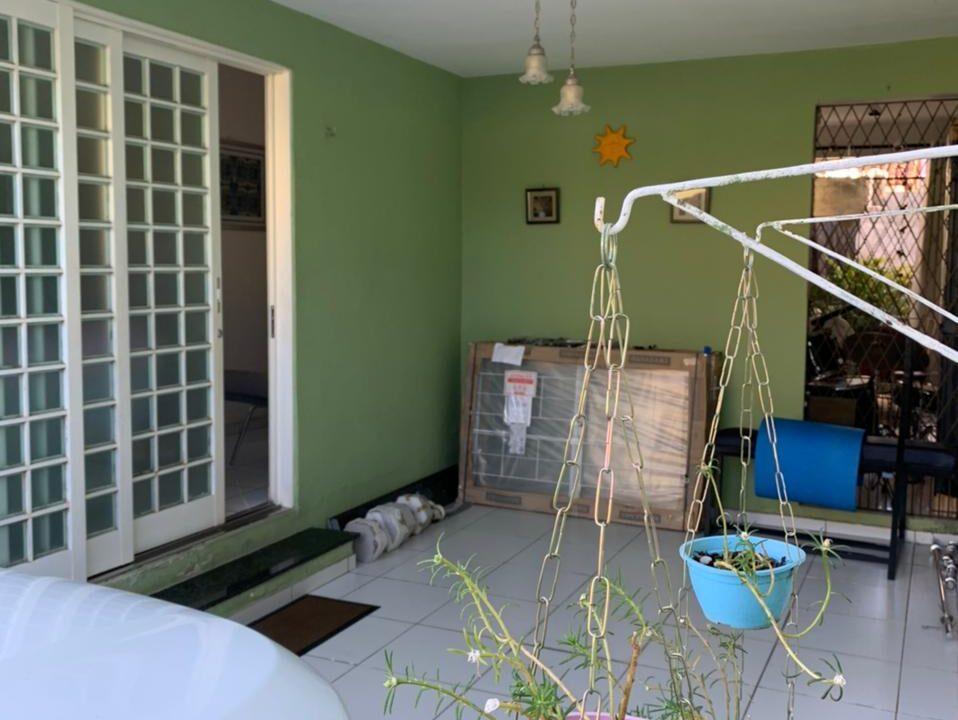 2 Casa para venda no bairro Primavera com 3 quartos e 2 banheiros em Teresina-PI