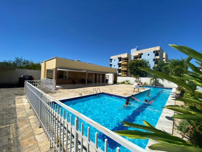 Apartamento para venda com 2 quartos sendo 1 suíte, elevador, piscina, 1 vaga de garagem próximo avenida João XXIII em Teresina-PI