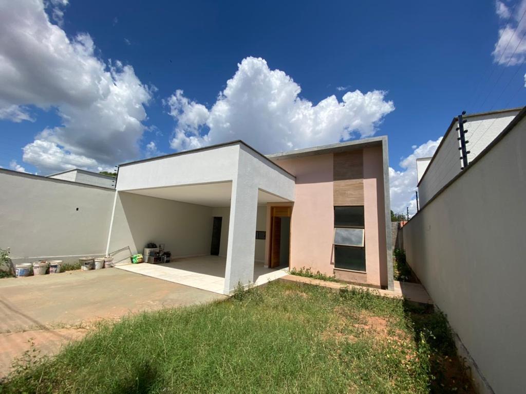 Casa para venda com 3 quartos sendo 1 suíte com closet,excelente acabamento próximo avenida Zequinha Freire em Teresina-PI