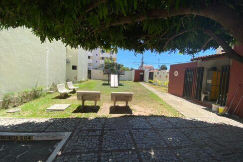 13 Apartamento para venda com 3 quartos sendo 2 suítes, móveis planejados, piscina próximo avenida João XXIII