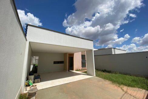 2 Casa para venda com 3 quartos sendo 1 suíte com closet no bairro Satélite em Teresina-PI