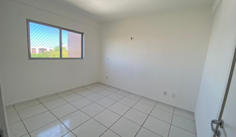 8 Apartamento para venda com 2 quartos sendo 1 suíte, elevador, piscina, 1 vaga de garagem próximo avenida João XXIII em Teresina-PI