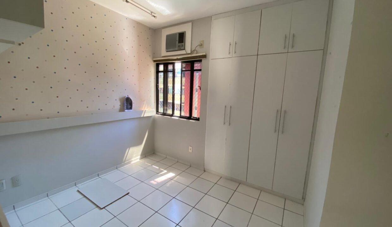 8 Apartamento para venda com 3 quartos sendo 2 suítes, móveis planejados, piscina próximo avenida João XXIII