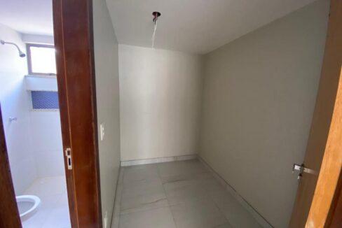 9 Casa para venda com 3 quartos sendo 1 suíte com closet no bairro Satélite em Teresina-PI
