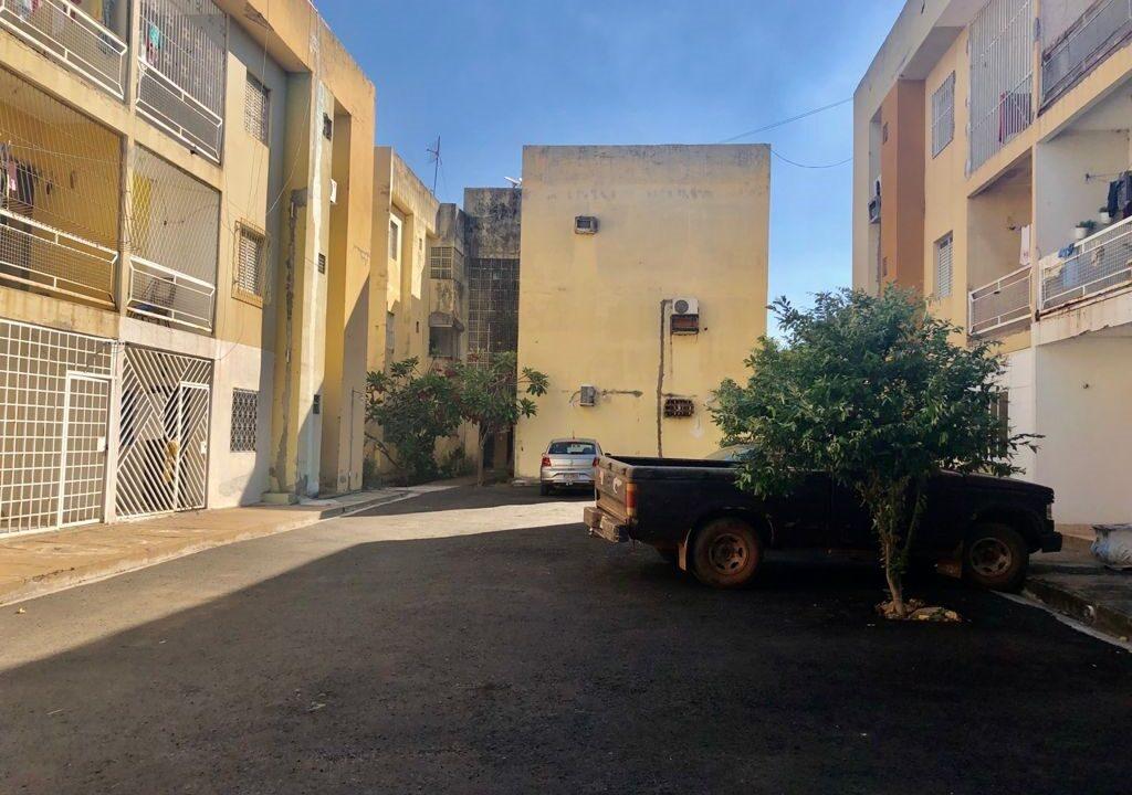 13 Apartamento para venda com 2 quartos sendo 1 suíte, condomínio fechado na avenida Joaquim Nelson no bairro Dirceu em Teresina-PI