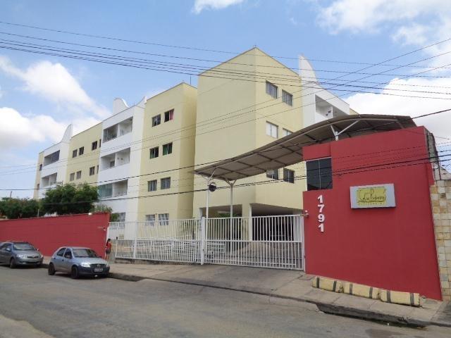 Apartamento para venda com 3 quartos sendo 1 suíte no bairro Cristo Rei em Teresina-PI