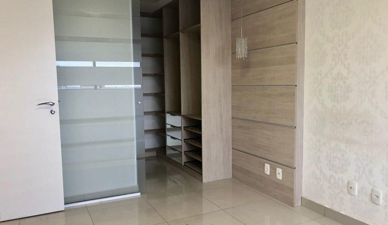 8 Apartamento para venda com 1 suíte reversível, 2 vagas na avenida jóquei clube em Teresina-PI