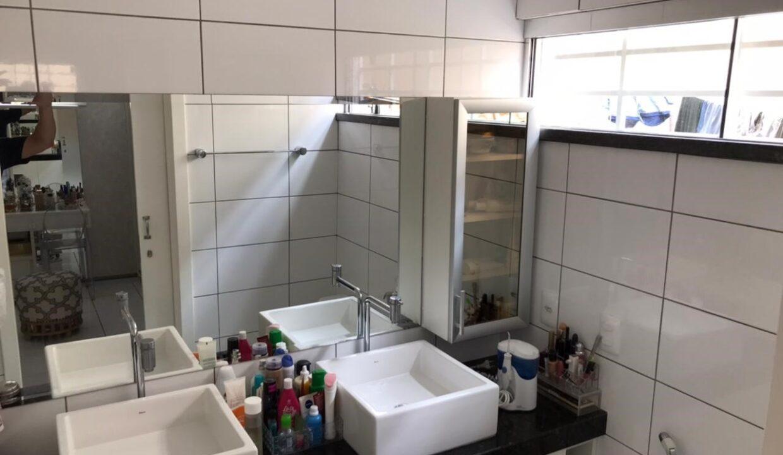 12 Casa para venda com 3 quartos sendo 2 suítes,piscina, DCE,excelente acabamento no bairro Morada do Sol em Teresina-PI