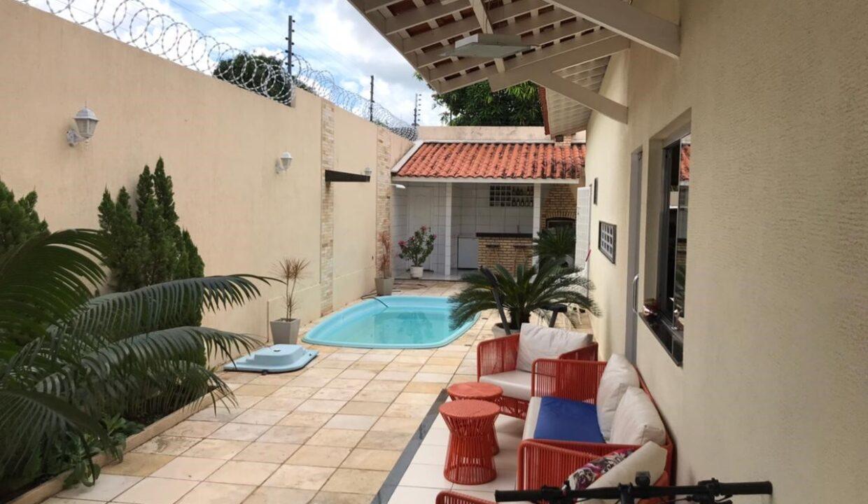 3 Casa para venda com 3 quartos sendo 2 suítes, piscina, DCE,excelente acabamento no bairro morada do sol em Teresina-PI