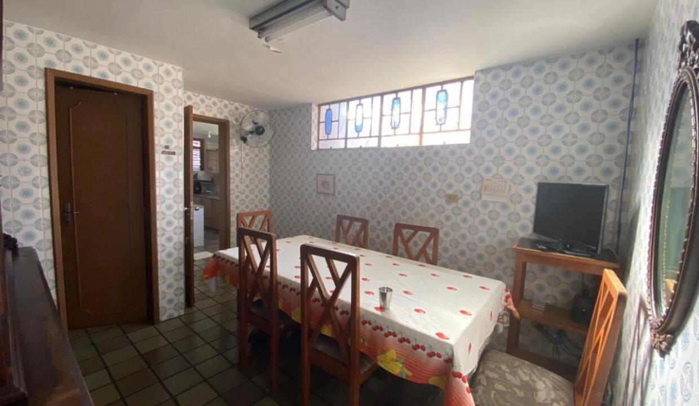 5 Casa para venda com 4 Quartos e 4 banheiros à Venda, 275 m² por R$ 699.900 no bairro de Fátima em Teresina-PI