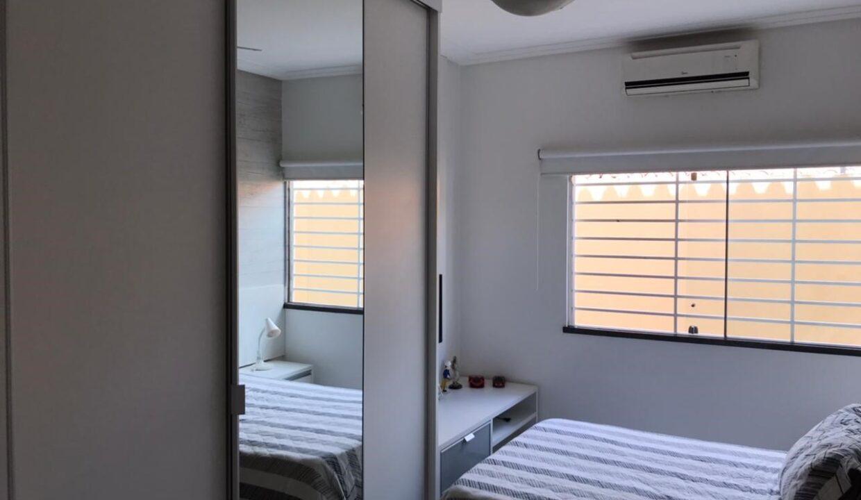 8 Casa para venda com 3 quartos sendo 2 suítes,piscina, DCE,excelente acabamento no bairro Morada do Sol em Teresina-PI